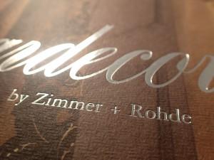 Broschüre mit silberner Heißfolienprägung